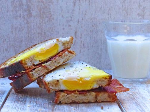 baconegg-sandwich-web2.jpg