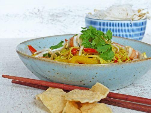 Noodles met garnalen en spitskool
