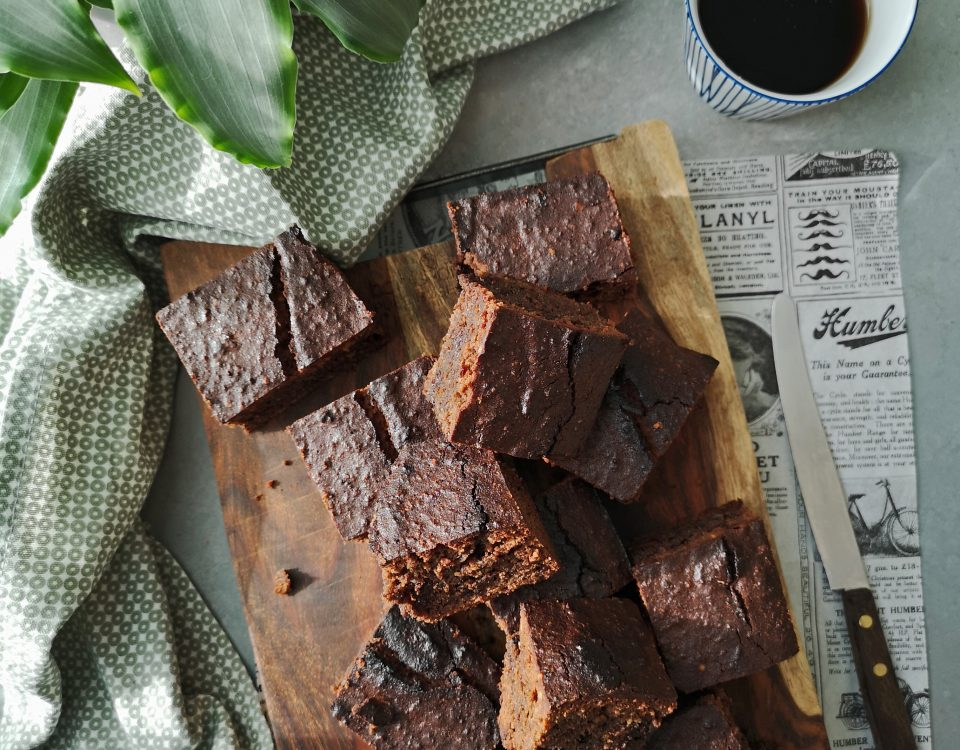 brownies met tahin van sabrina ghayour