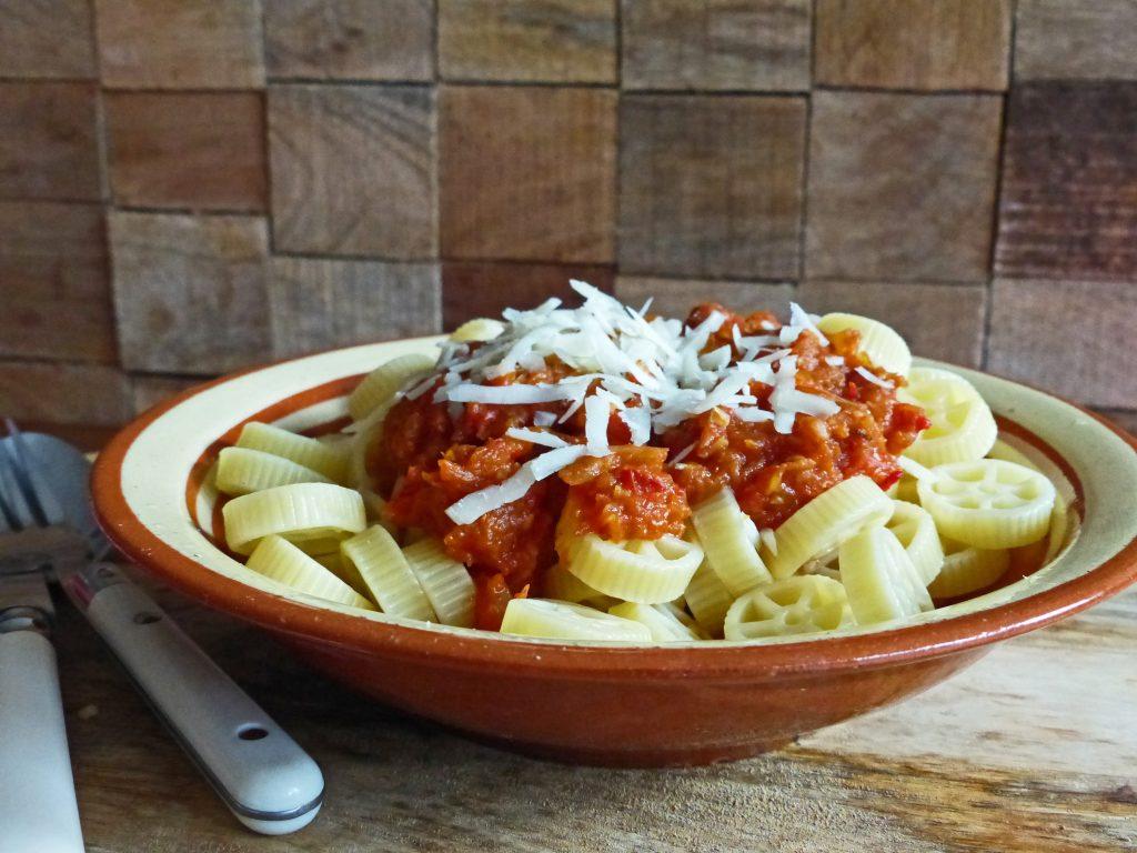 pasta met saus van pompoen