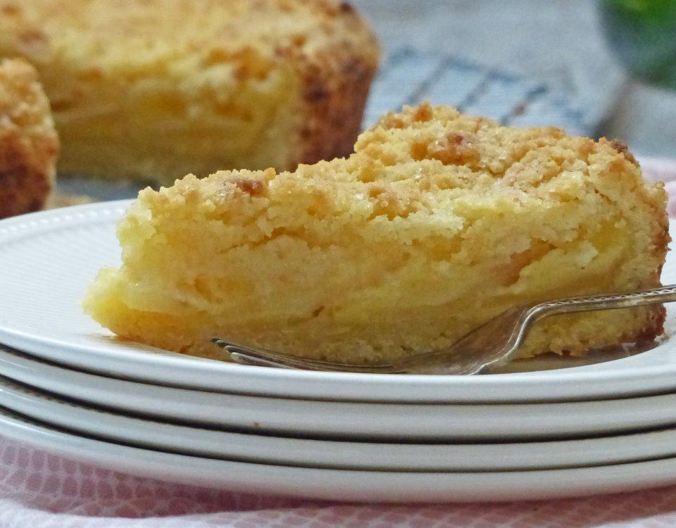stukje appeltaart met kruimel