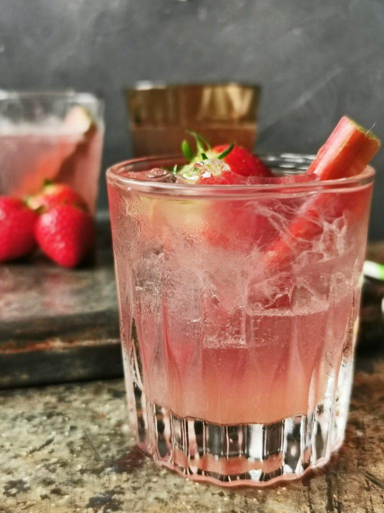 gin tonic rabarber